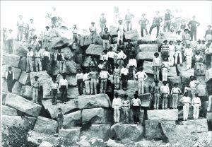 O nome foi dado pelos índios por conta das inúmeras pedras encontradas na região