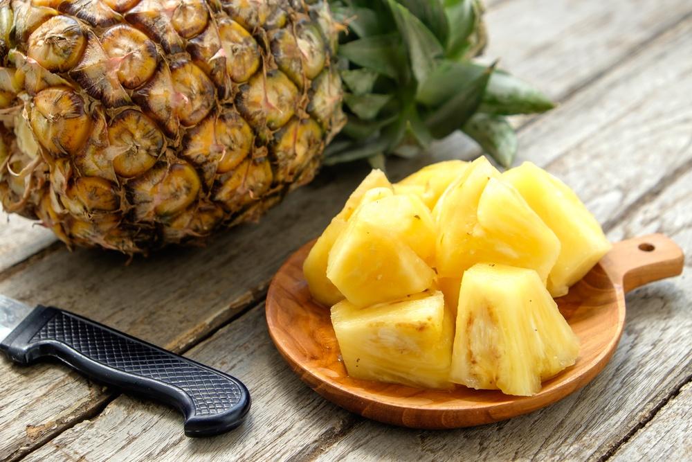 O abacaxi é um aliado da pele